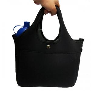 ウェットスーツ素材の洗えるお散歩バッグ(ブラック)お散歩の必須アイテム!ショルダーベルト、水に流せる